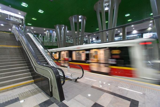 Stacja metra Stadion Narodowy  - zdjęcie 9